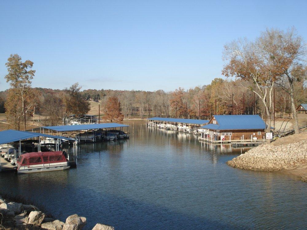 Riverstone Marina: 100 Lacey Tyler Lp, Bath Springs, TN