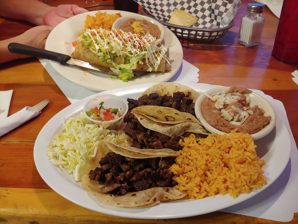 Chatitas Mexican Restaurant: 301 E 10th St, Douglas, AZ