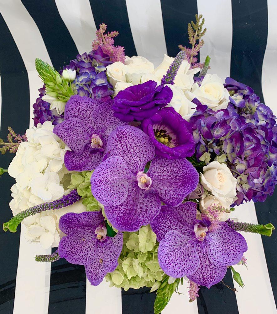 Violet's Florist