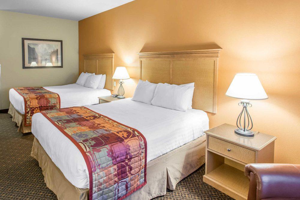 Glenwood Suites, an Ascend Hotel Collection Member: 2625 Gilstrap Ct, Glenwood Springs, CO