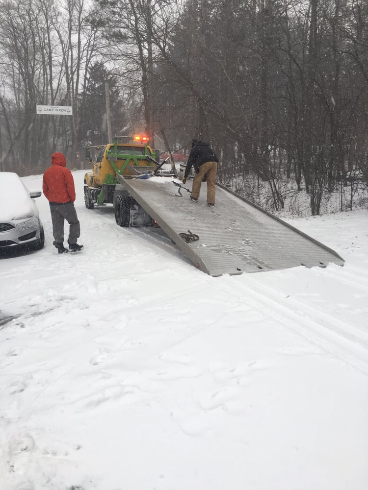 Towing business in Waupun, WI