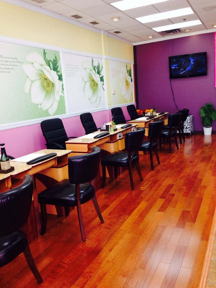 Manicure station yelp for A q nail salon collinsville il