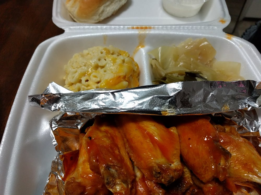 Smoken Que's Barbeque & Grill: 3218 Stamford Rd, Portsmouth, VA