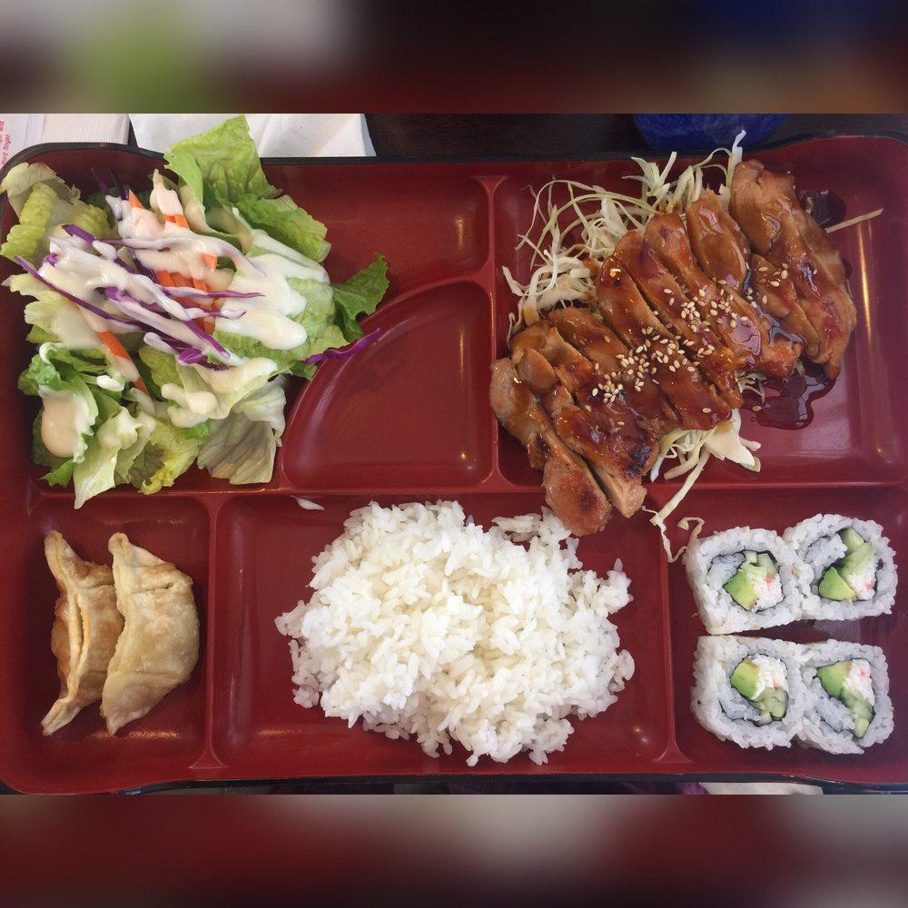 Sushi & Rolls: 4671 Carnes Rd, Roseburg, OR