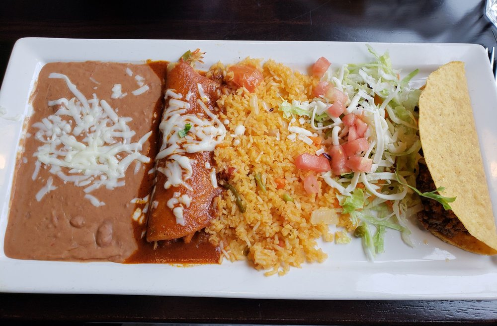 Pepper's Cocina Mexicana and Tequila Bar: 1560 Business Center Dr, Fleming Island, FL