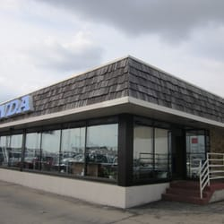 Richardson motors car dealers 1475 j f kennedy rd for Richardson motors dubuque iowa