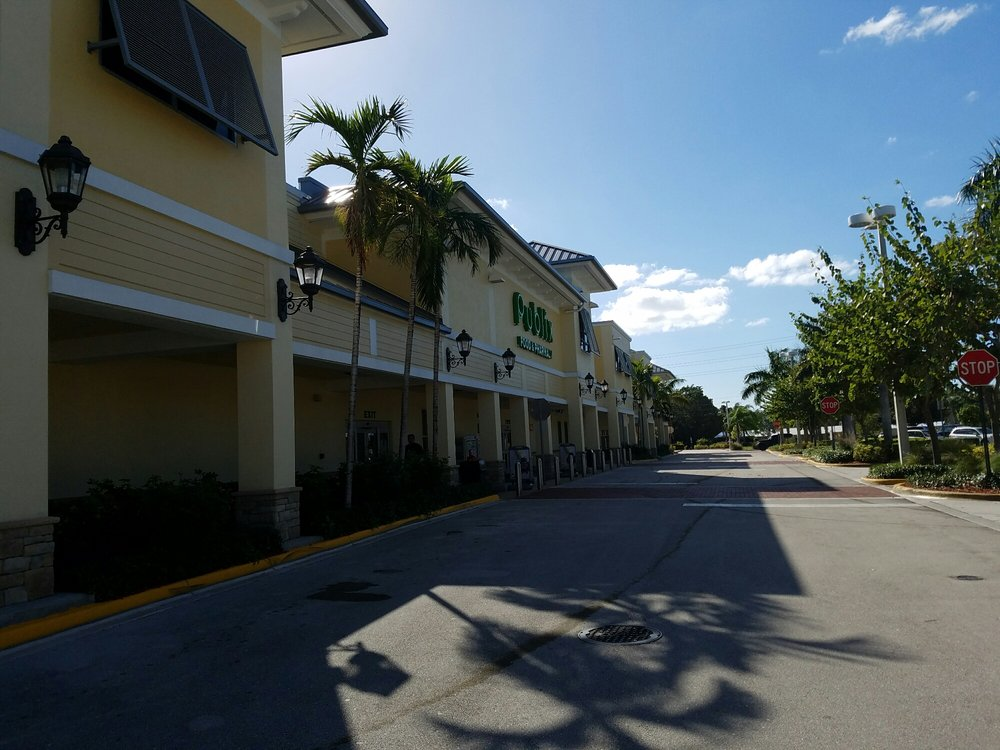 Publix Supermarkets: 1501 NW Federal Hwy, Stuart, FL