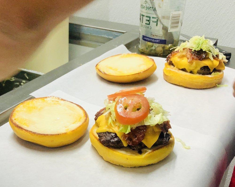 Chunk's Burger: 411 Dulles Ave, Stafford, TX
