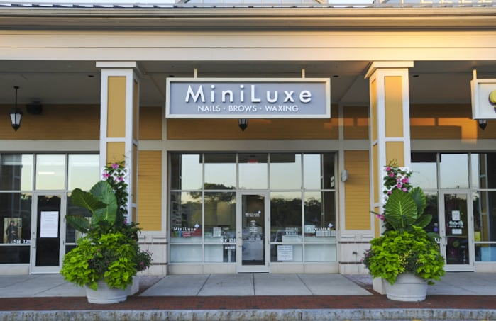 MiniLuxe Hingham - 31 Photos & 88 Reviews - Nail Salons - 92 Derby ...