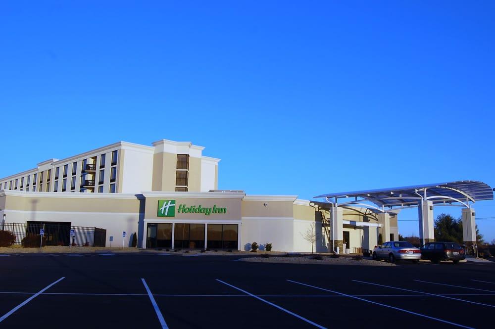 Holiday Inn Staunton Conference Center: 152 Fairway Ln, Staunton, VA