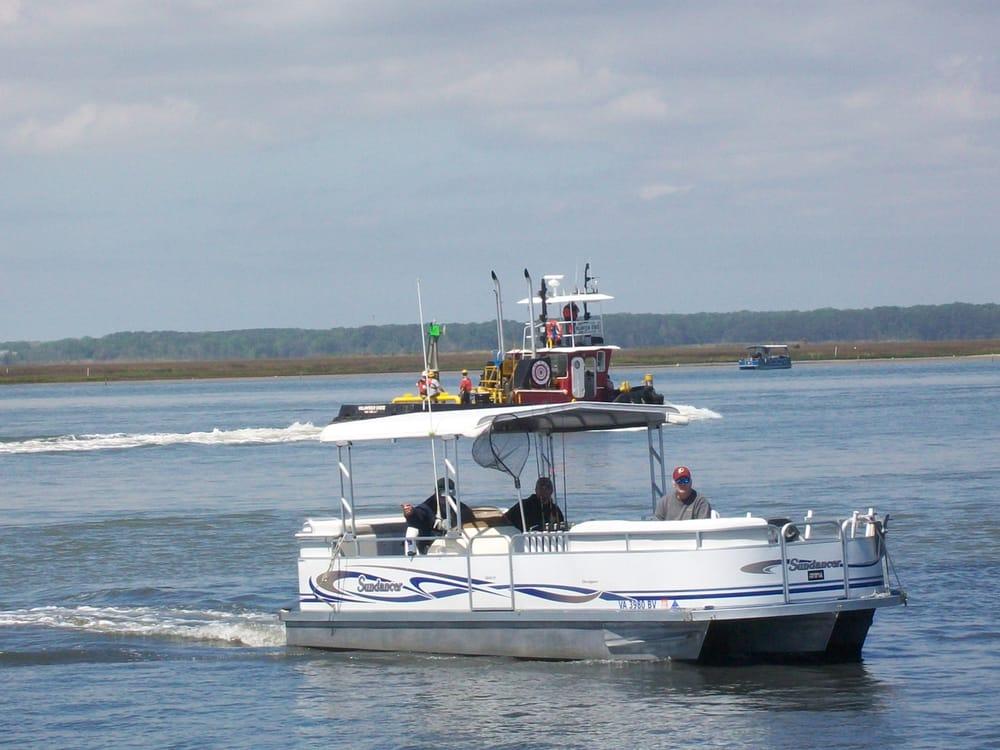 Island Queen Inland Charters: 2246 Curtis Merritt Rd, Chincoteague Island, VA