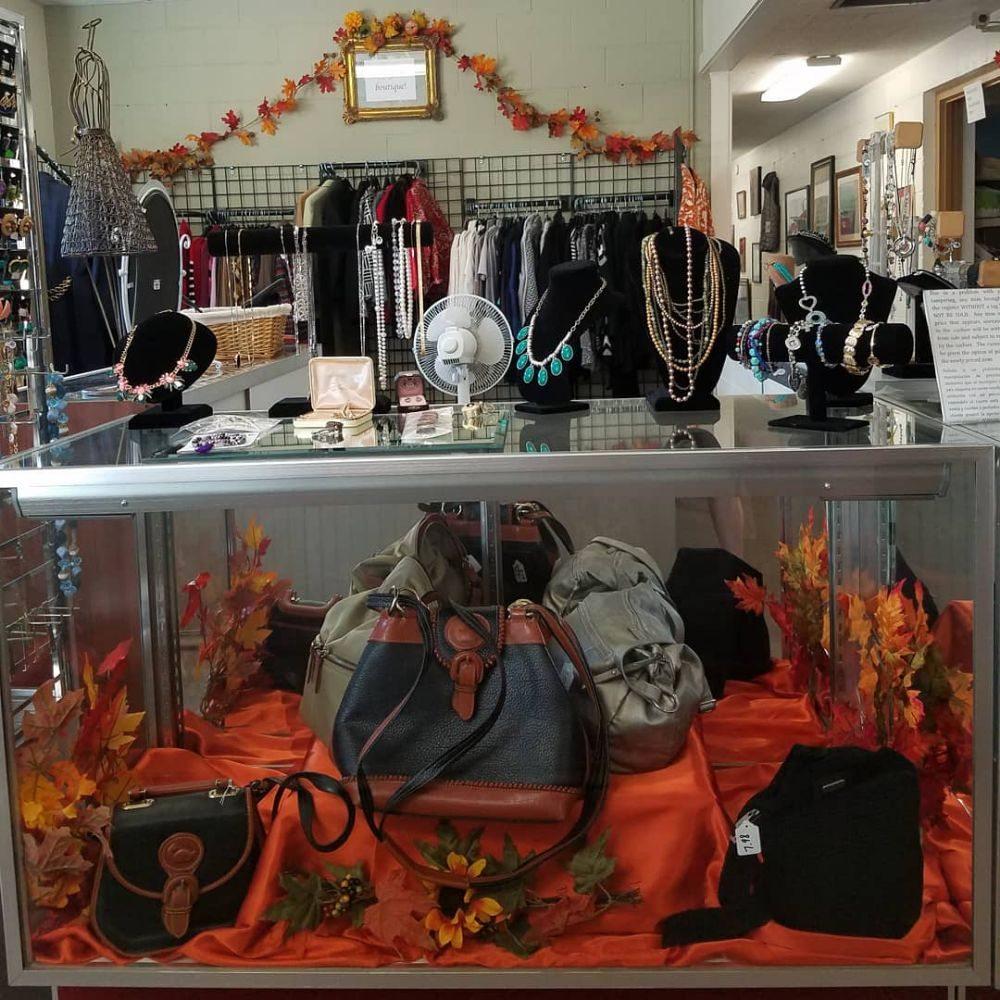 St Mary's Thrift Shop: 13150 Juneau Blvd, Elm Grove, WI