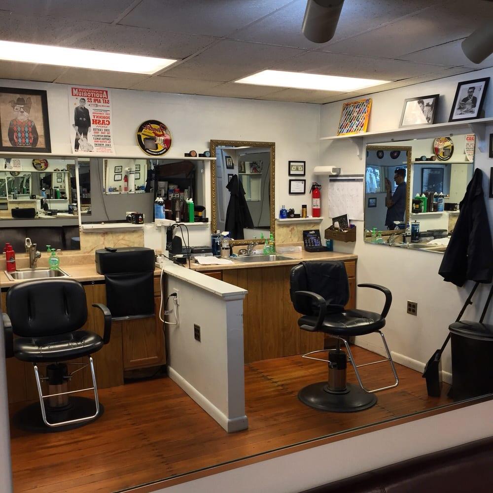 Beau Austin's 2nd St Haircuts: 328 2nd St, Aurora, IN