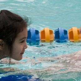 Staaten professional swim lessons for toddlers in los angeles