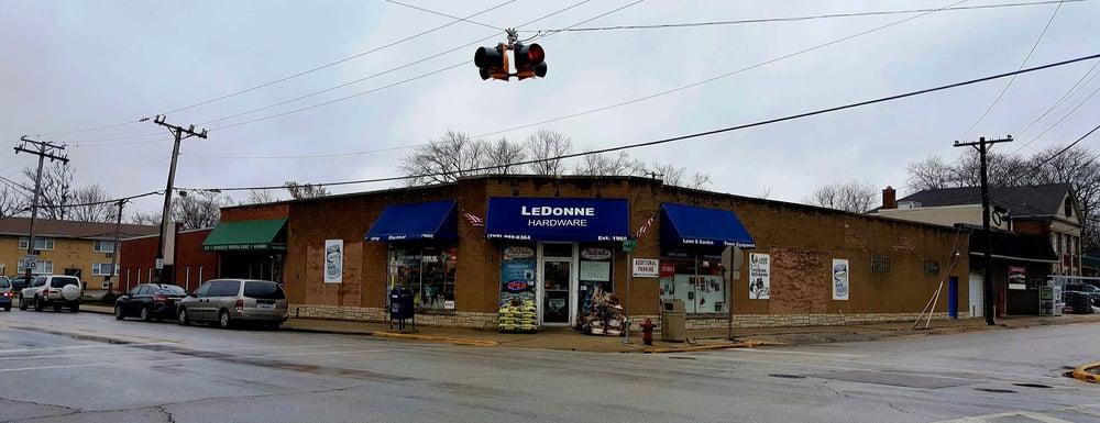 Ledonne True Value Hardware: 1750 N Taft Ave, Berkeley, IL