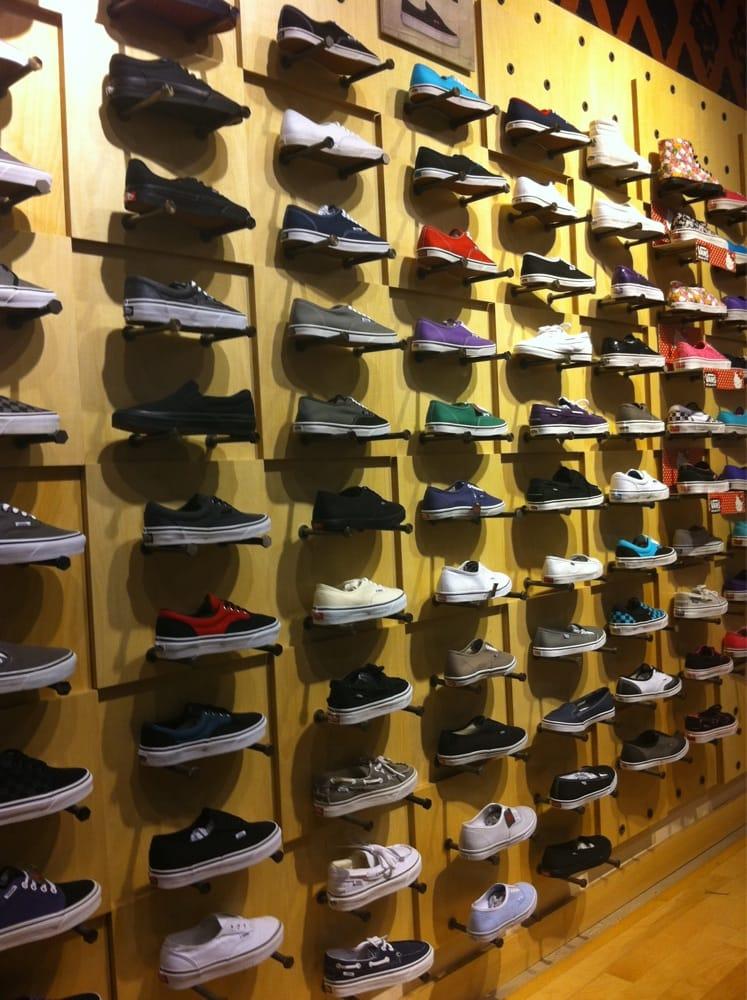 Lakewood Shoe Stores