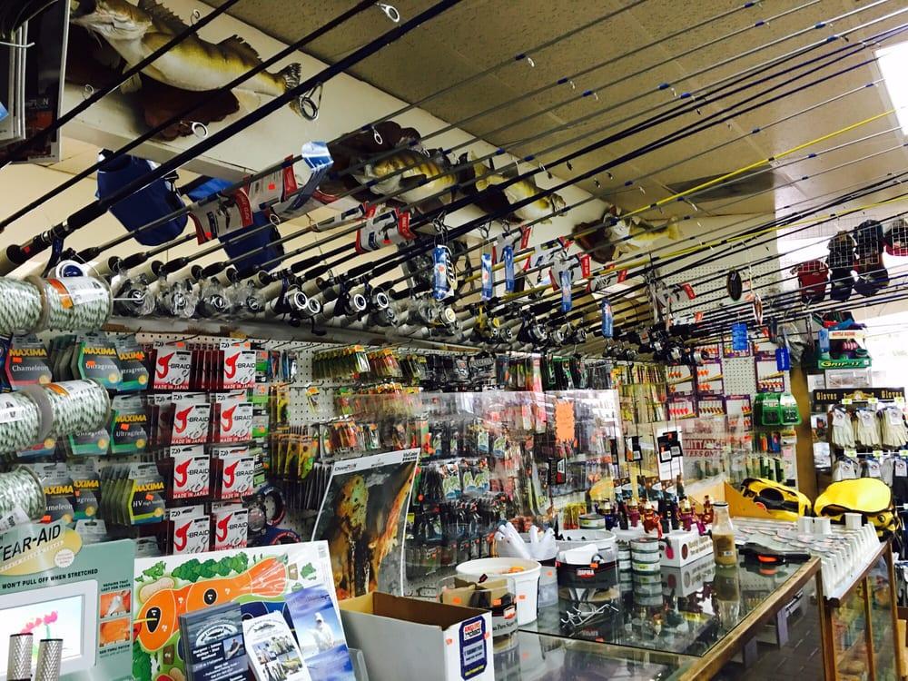 Dinty's Market & Deli: 91571 Biggs Rufus Hwy, Biggs Junction, OR