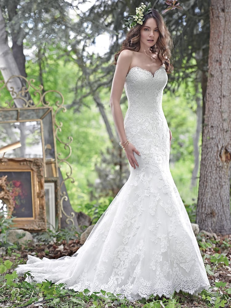 Pizazz Wedding Boutique: 33 N Parke St, Aberdeen, MD