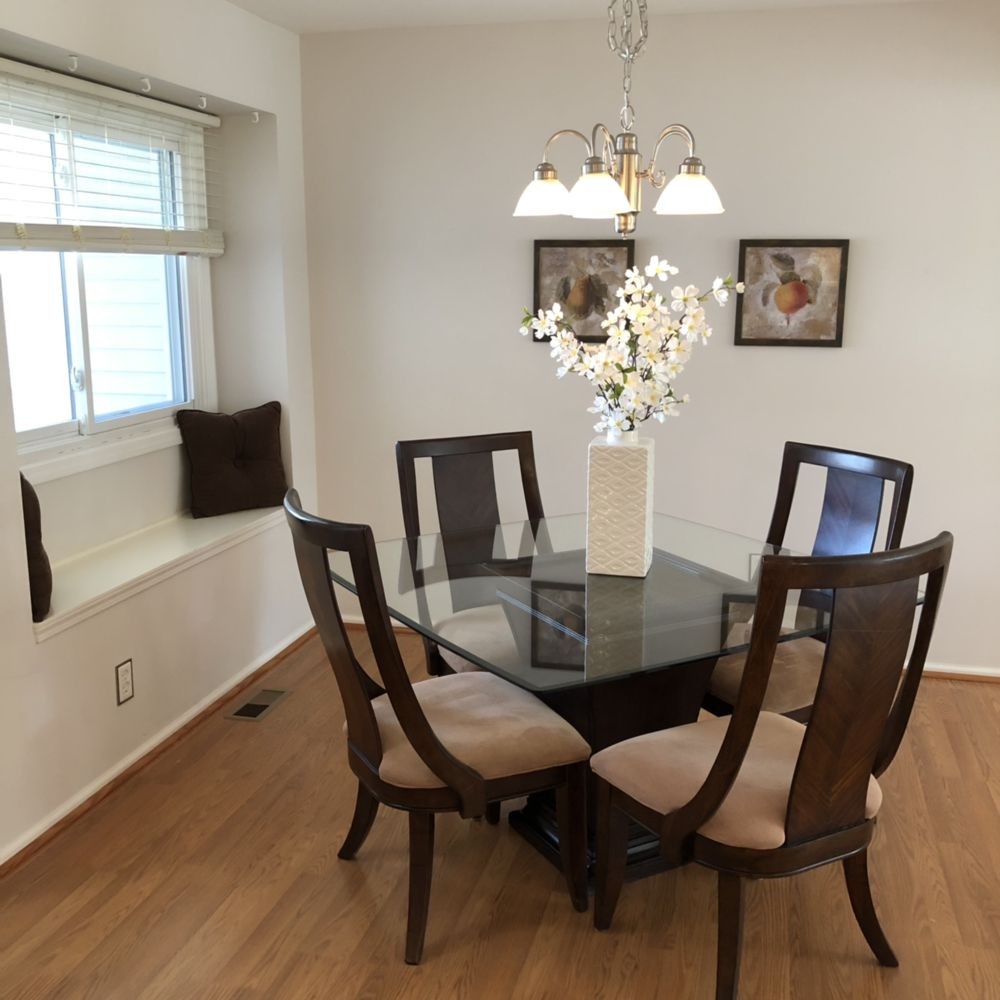 Showstopper Staging: CANADIAN LAKE, MI
