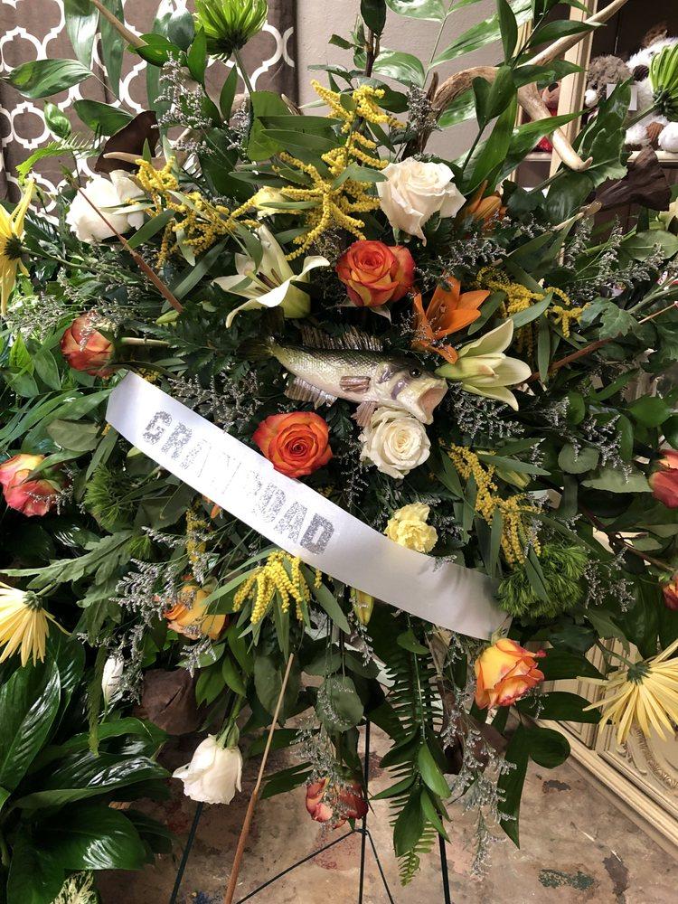 Prescott Flowers & Gifts: 228 E Vine St, Prescott, AR