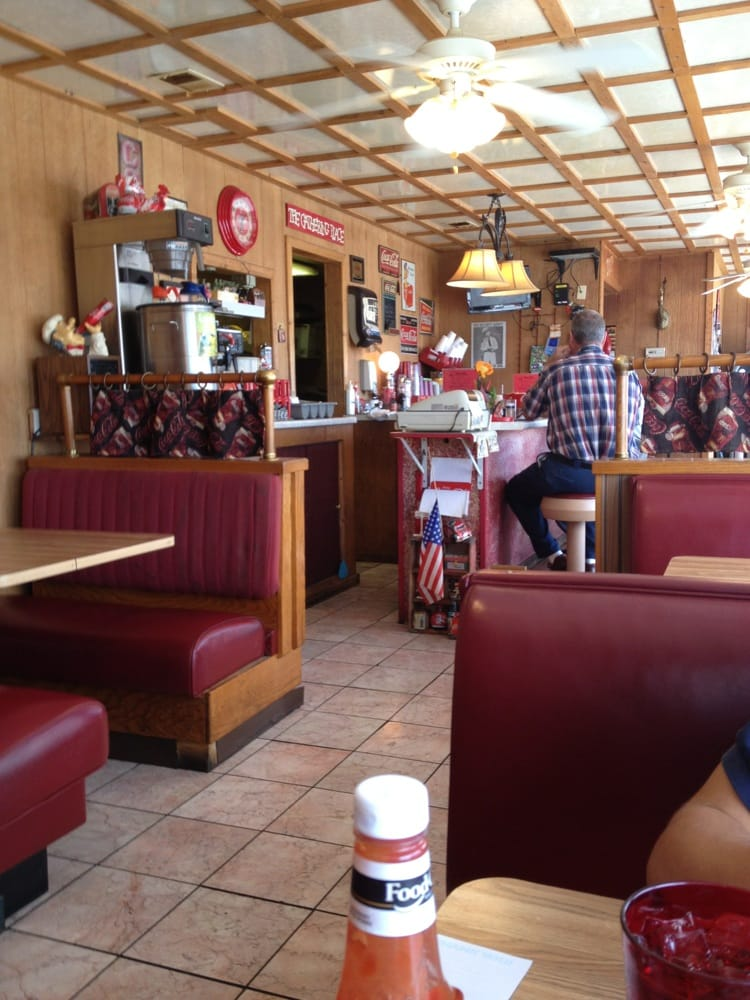 Dale's Diner: 2415 E Andrew Johnson Hwy, Morristown, TN