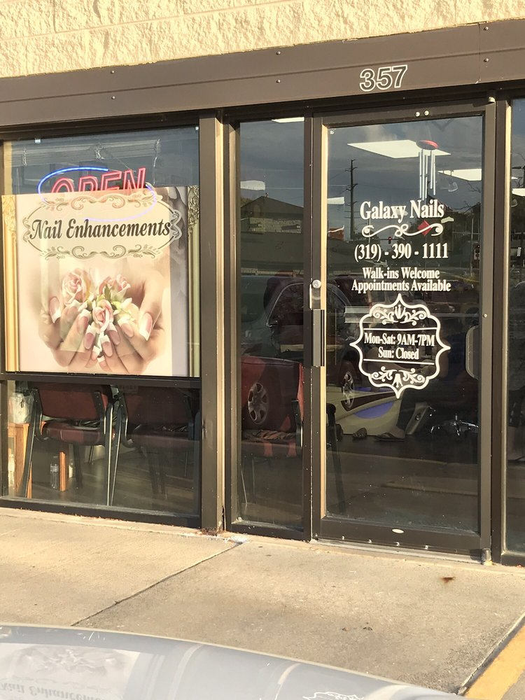 Galaxy Nails: 357 Edgewood Rd NW, Cedar Rapids, IA