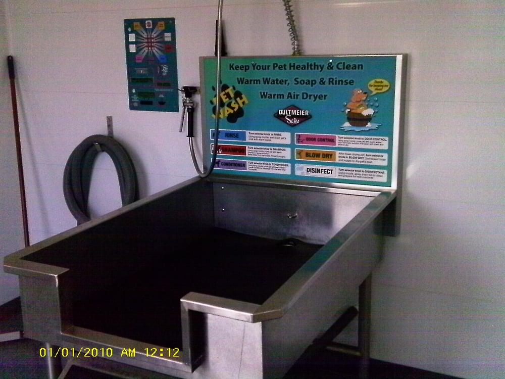 The Wash Tub: 1231 Main St, Osage, IA