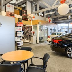 Photo Of Kelly Nissan   Oak Lawn, IL, United States. Showroom