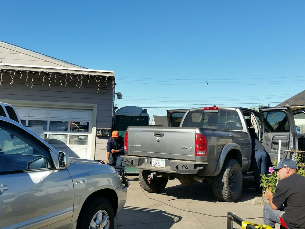 Nok-Nok Auto Detail: 141 S McPherson St, Fort Bragg, CA