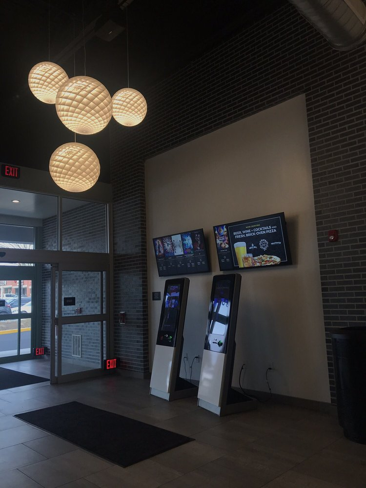 Penn Cinema - Huntingdon Valley: 2068 County Line Rd, Huntingdon Valley, PA