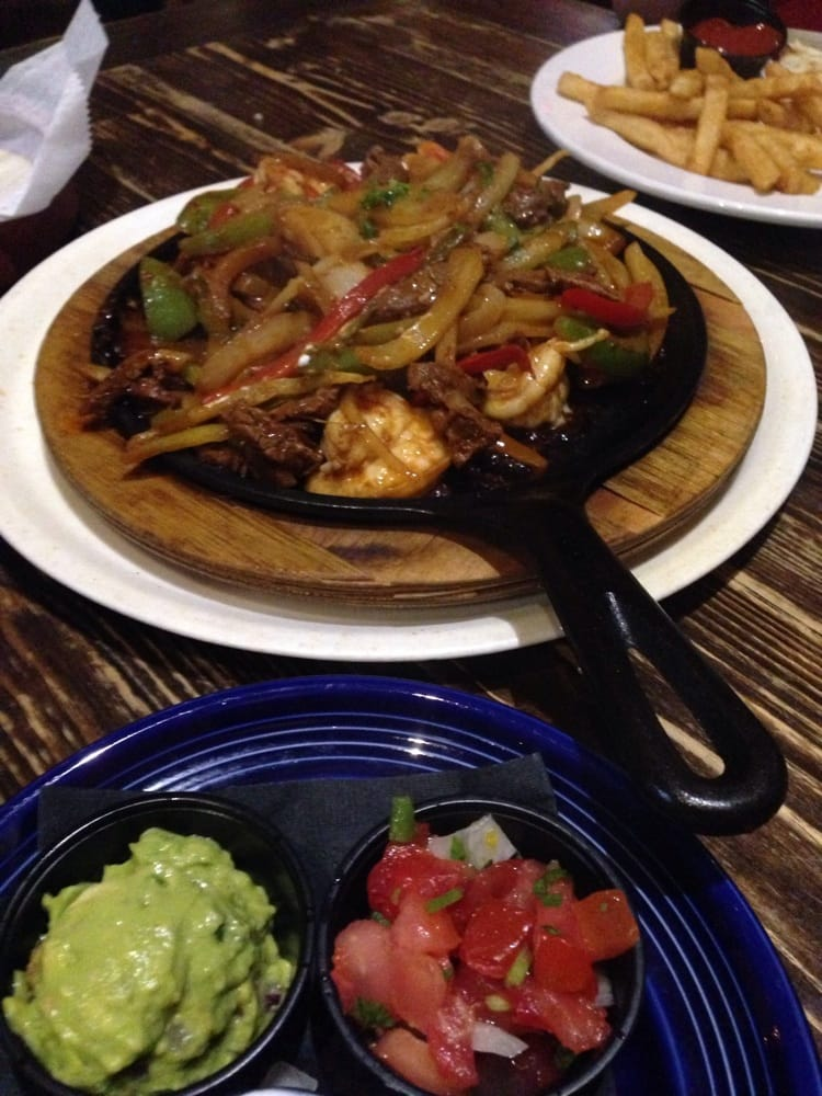 Cabo Flats Closed 38 Photos 90 Reviews Mexican 11701 Lake Victoria Gardens Ave Palm
