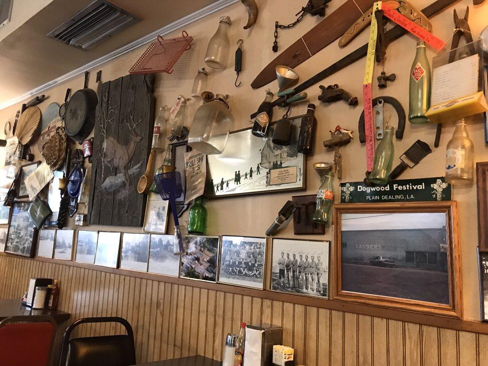 Giles Snack Shop: 210 E Palmetto, Plain Dealing, LA