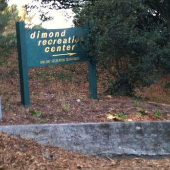 Dimond Lion S Pool 30 Reviews Swimming Pools 3836 Hanly Rd Lower Hills Oakland Ca