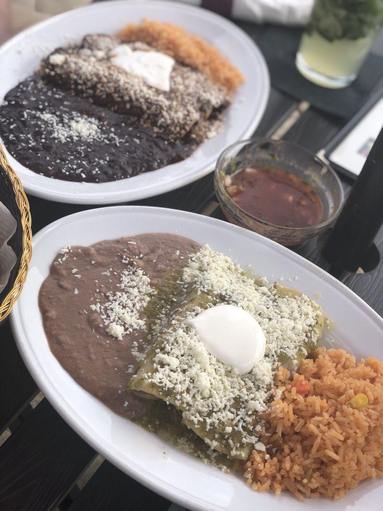 Don Chato's Delicias: 9110 Devlin Rd, Bristow, VA