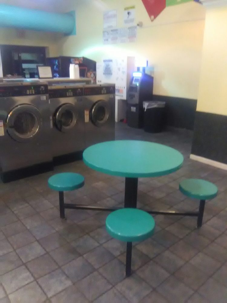 Wash Wearhouse Laundry Center: 613 N Courtland St, East Stroudsburg, PA