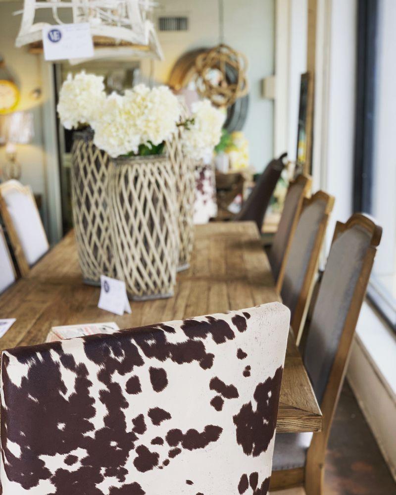 Village Furniture & Gifts: 224 3rd Ave SE, Cullman, AL