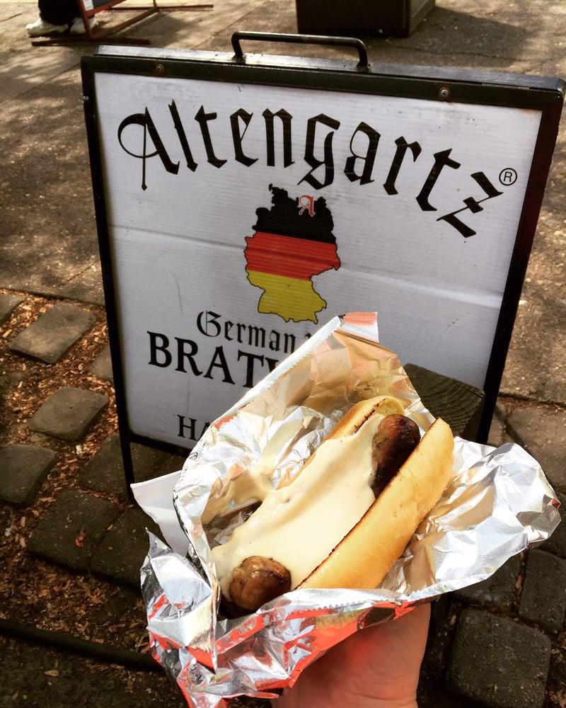 Altengartz: 1000 SW Alder St, Portland, OR