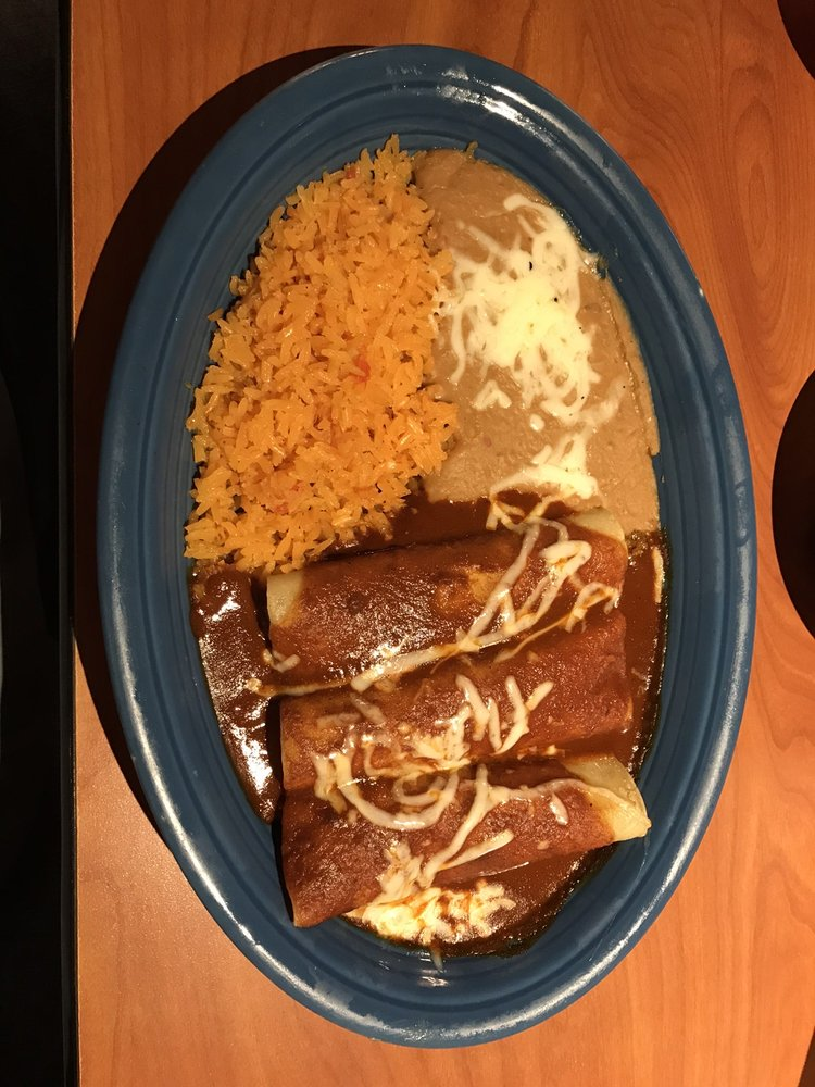 Tlaquepaque Mexican Restaurant: 131 N 3rd St, Coshocton, OH