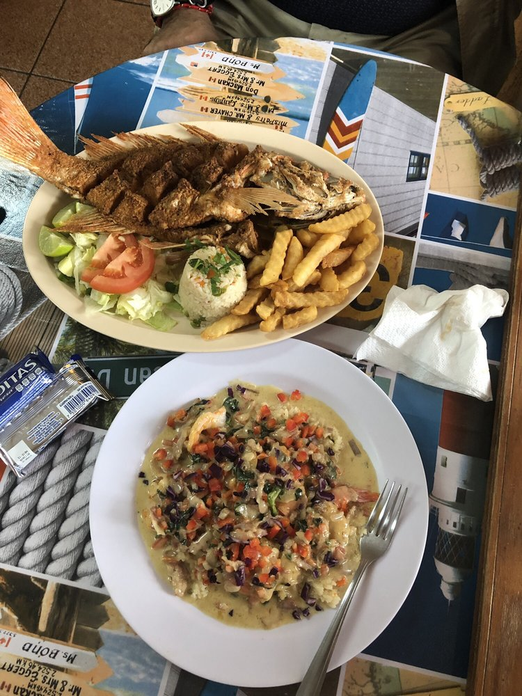 Fish King Seafood Restaurant and Market: 5210 Padre Island Blvd, Brownsville, TX