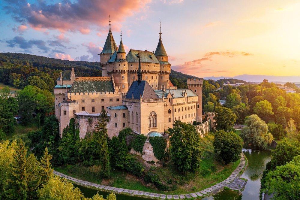 Chateau Ramy: 2600 Harvey Dr, Menomonie, WI