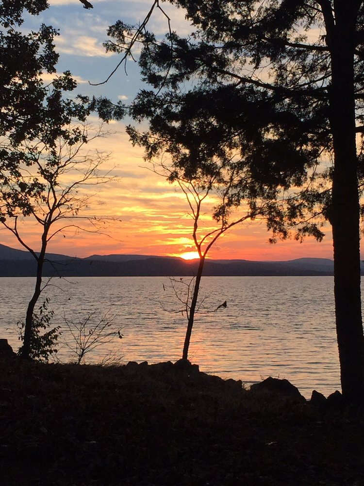 Lake Dardanelle State Park: 100 State Park Dr, Russellville, AR