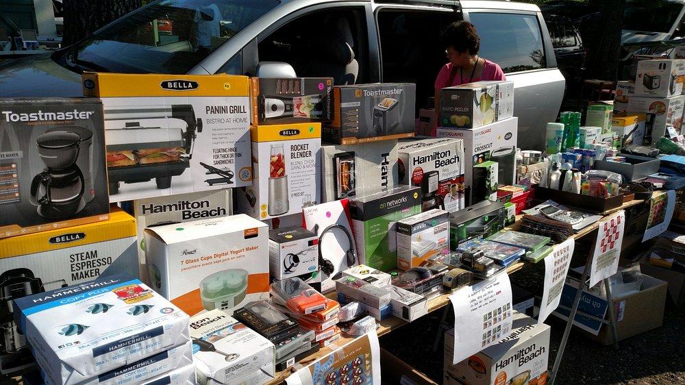 Hollis Flea Market: 447 Silver Lake Rd, Hollis, NH