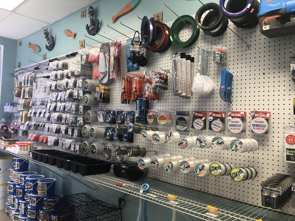 Hook A Snook Bait and Tackle: 3325 Griffin Rd, Fort Lauderdale, FL