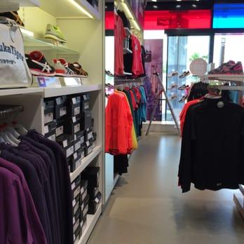 finest selection 460b1 202d5 Asics - Outlet Stores - Gewerbestr. 4, Parndorf, Burgenland ...