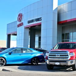 Car Dealerships In Grand Forks Nd >> Lithia Toyota Of Grand Forks 14 Photos Car Dealers