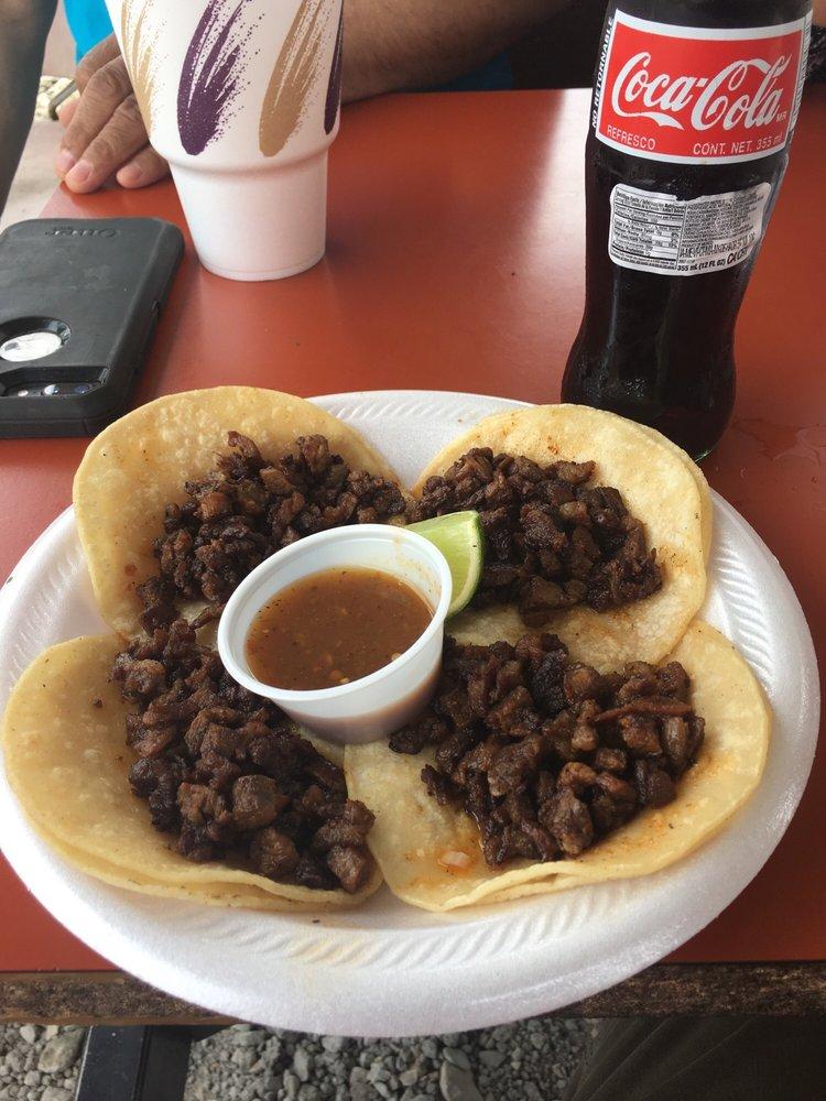 Food from Taqueria Los Burritos