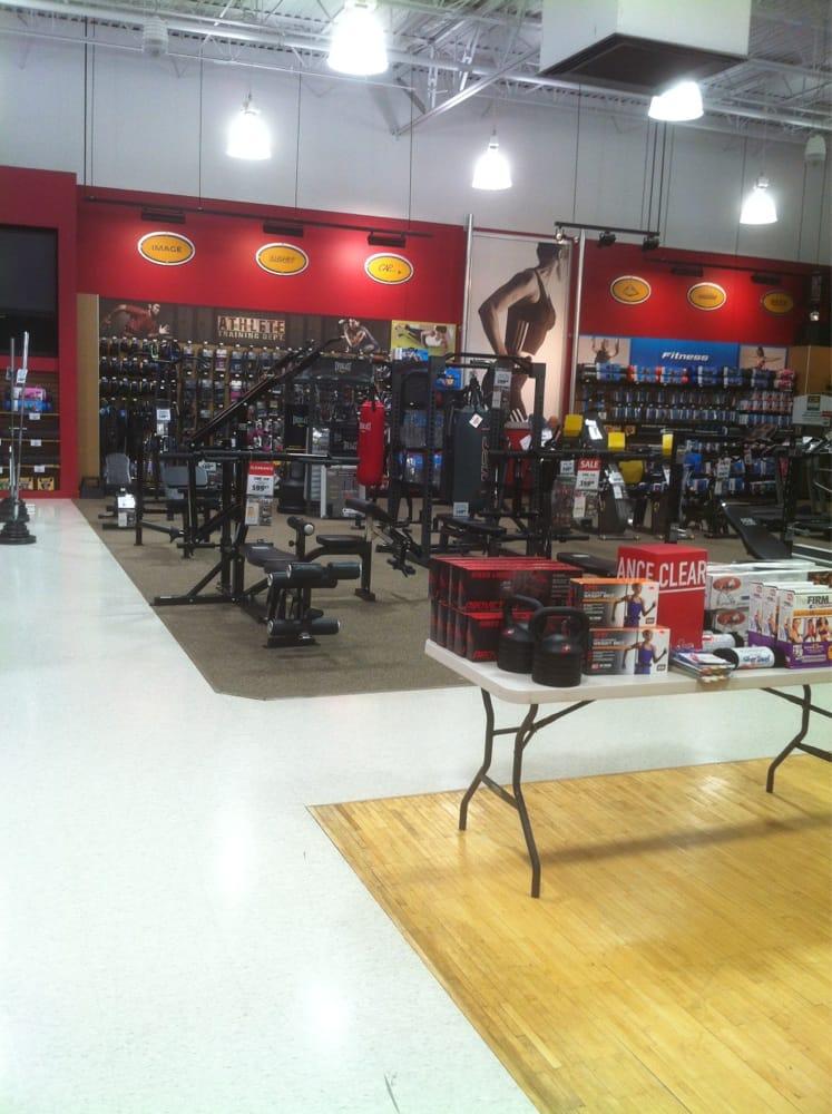 DICK'S Sporting Goods: 1520 Apple Glen Blvd, Fort Wayne, IN