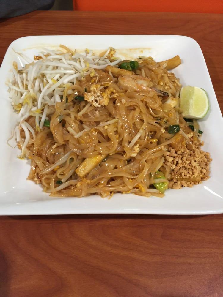 Pad thai authentic taste yelp for Authentic thai cuisine los angeles ca