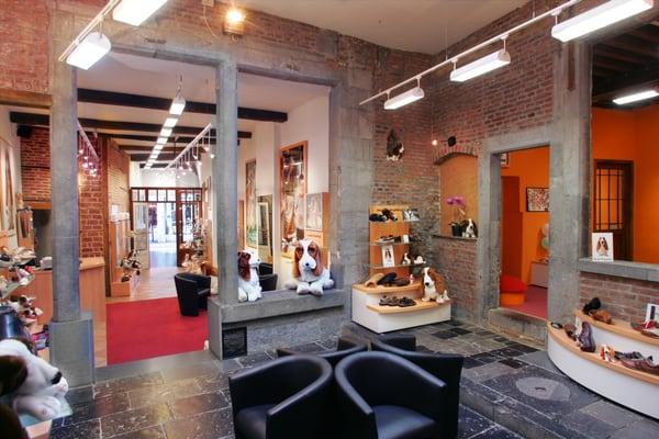 Hush Puppies Shop - Magasins de chaussures - Rue de la Croix 14 ... f51b0b7ddce
