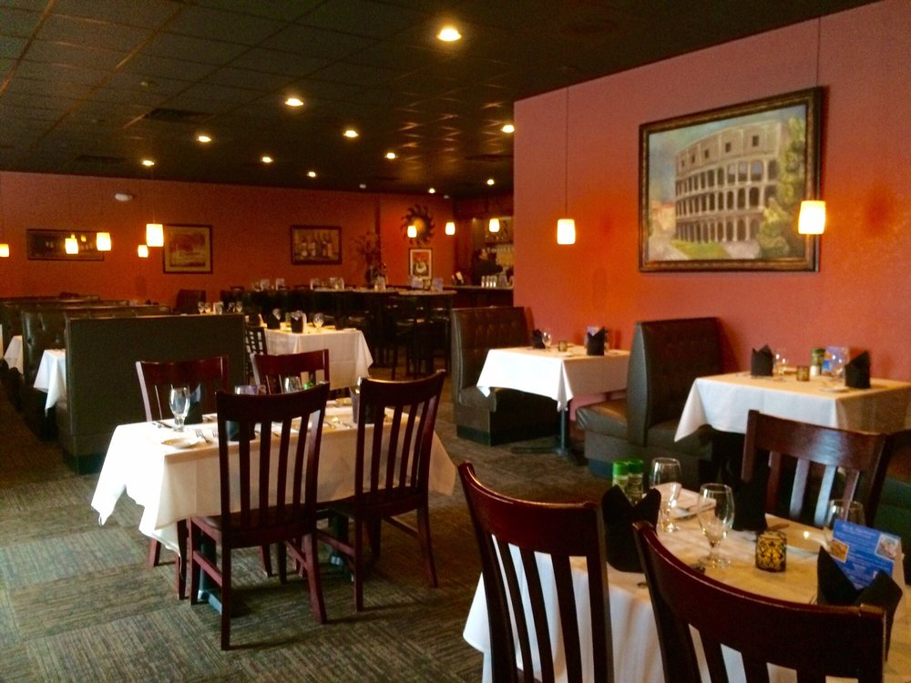 Blue Highway offers quality food and the best pizza in Micanopy, Gainesville and Ocala.